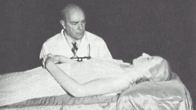 В 1955 году тело Эвиты было похищено противниками её мужа и пропало на целых 15 лет.