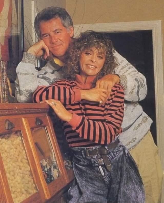 Его супруга Тоби, с которой они были женаты 50 лет, скончалась в 2001 году, пор больше не женился. Воспитал троих сыновей. У него уже шестеро внуков, четыре девочки и два мальчика.