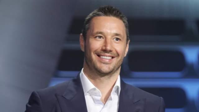 Илья Ковальчук На 6-м месте - еще один хоккеист - Илья Ковальчук, в течении восьми сезонов выступавший за Atlanta Thrashers и признанный одним из лучших нападающих лиги, а в 2010 году подписавший 15-летний контракт c New Jersey Devils на сумму в $100 млн. Именно его шайба привела российскую сборную к чемпионству в 2008 году.