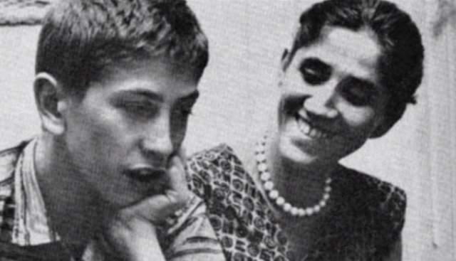 Роберт Джеймс Фишер, шахматист, 11-й чемпион мира, прожил 65 лет. Самый выдающийся шахматист всех времен и народов. Старшая сестра в 6 лет научила его играть в шахматы, и понеслась: он столько проводил времени за игрой, что не замечал ничего вокруг и не общался со сверстниками.