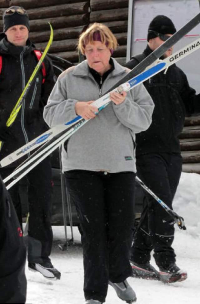 Ангела прошла шесть часов по горам без передышки.Секрет Ангелы мечтают выведать многие СМИ, но оказалось, что никакого секрета не существует. Просто Меркель - фанатка лыжного спорта. В 2014 году она даже сломала бедро при катании на горных лыжах.