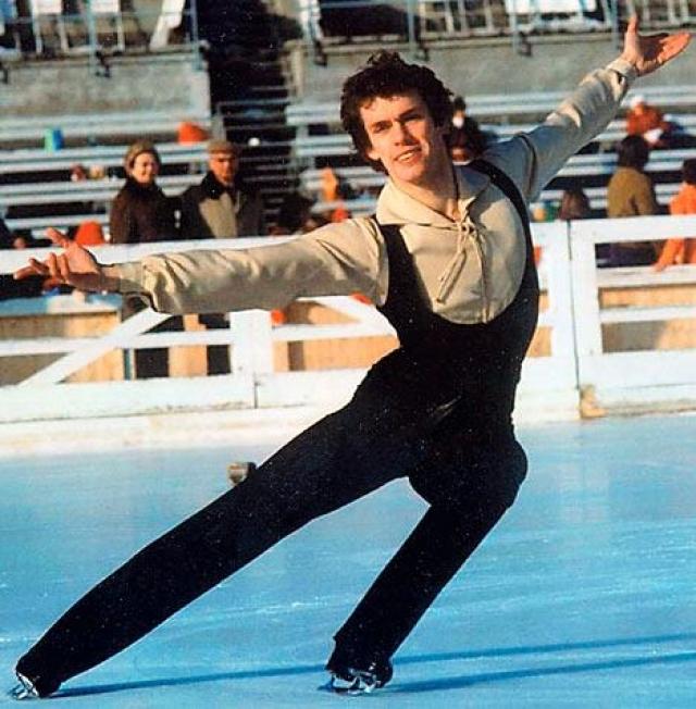 Джон Карри Диагноз ВИЧ олимпийскому чемпиону по фигурному катанию среди мужчин 1976 года, чемпиону мира и Европы был поставлен в 1987 году.