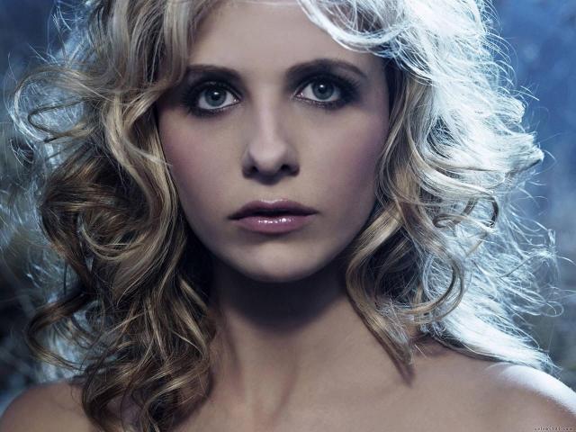 Сара Мишель Геллар. Исполнительница роли истребительницы вампиров Баффи, как это ни странно, боится настоящих кладбищ.