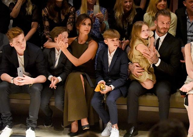 Виктория замужем за английским футболистом Девидом Бекхэмом. У них трое сыновей: Бруклин Джозеф (род. 4 марта 1999 года), Ромео (род. 1 сентября 2002 года) и Круз (род. 20 февраля 2005 года), и дочка.