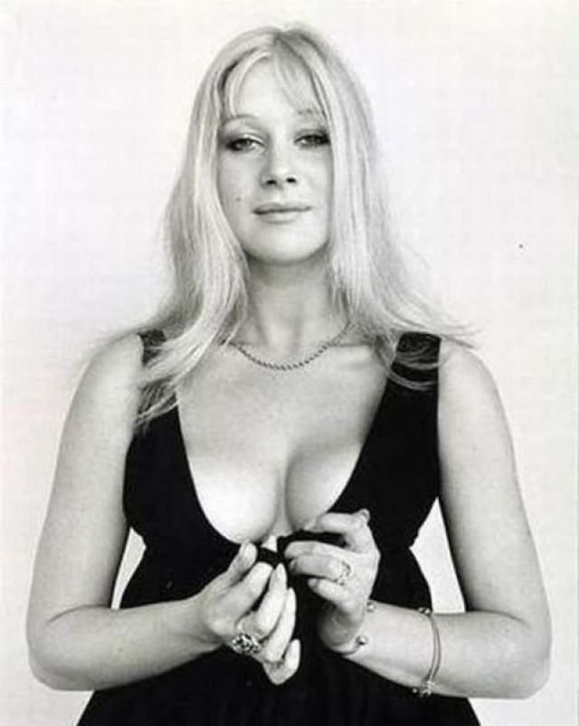 Хелен Миррен в молодые годы не только много снималась, но и позировала в качестве модели.