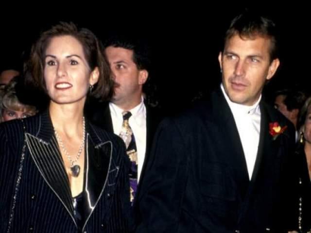 Самые длительные отношения оскароносного режиссера и актера Кевина Костнера длились 17 лет. В 1978-м его супругой стала Синтия Силва.