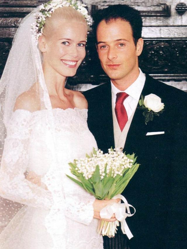 В 2002 году влюбленные сыграли свадьбу. Благодаря дворянскому происхождению Вона Клаудия Шиффер после замужества приобрела титул графини Оксфордской.