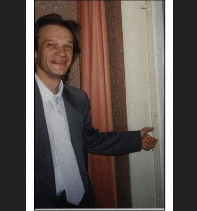 """Потеряв популярность, Сергей не оставил музыкальное творчество. Нередко он принимал участие в проектах """"Любэ"""" и """"Иванушки International"""" своего бывшего сокурсника Игоря Матвиенко."""