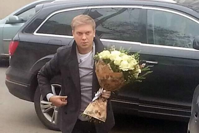 Сергей Светлаков, 41 год . Актер ездит с водителем - ему просто некомфортно за рулем, и он не получает от этого занятия удовольствия.