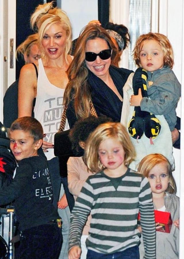 Анджелина Джоли и Гвен Стефани. В многочисленных интервью Джоли не раз признавалась, что у нее почти нет подруг.