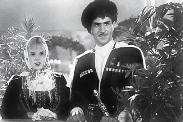 """С выходом фильма Ивана Пырьева """"Свинарка и пастух"""" в 1941 году Зельдин получил широкую известность после первой же большой роли в кино. С тех пор актер снялся еще в 50 фильмах."""