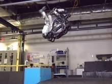 Робот Boston Dynamics научился делать сальто