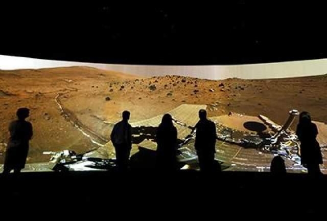 Панорама Марса на выставке Вселенной в Национальном морском музее в Гринвиче, Лондон, Великобритания, 5 июня 2013 года.