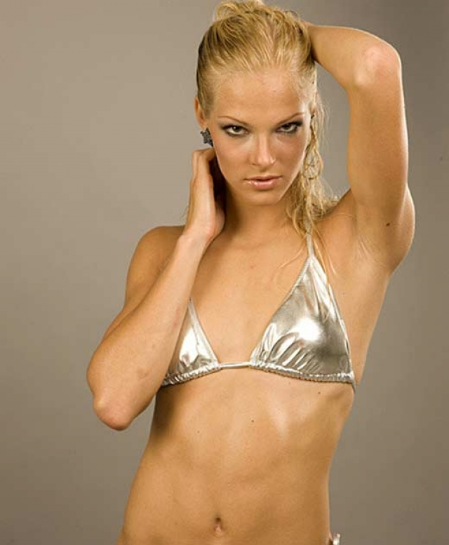 … и романтические отношения с хрупкой блондинкой Дарьей Клишиной .
