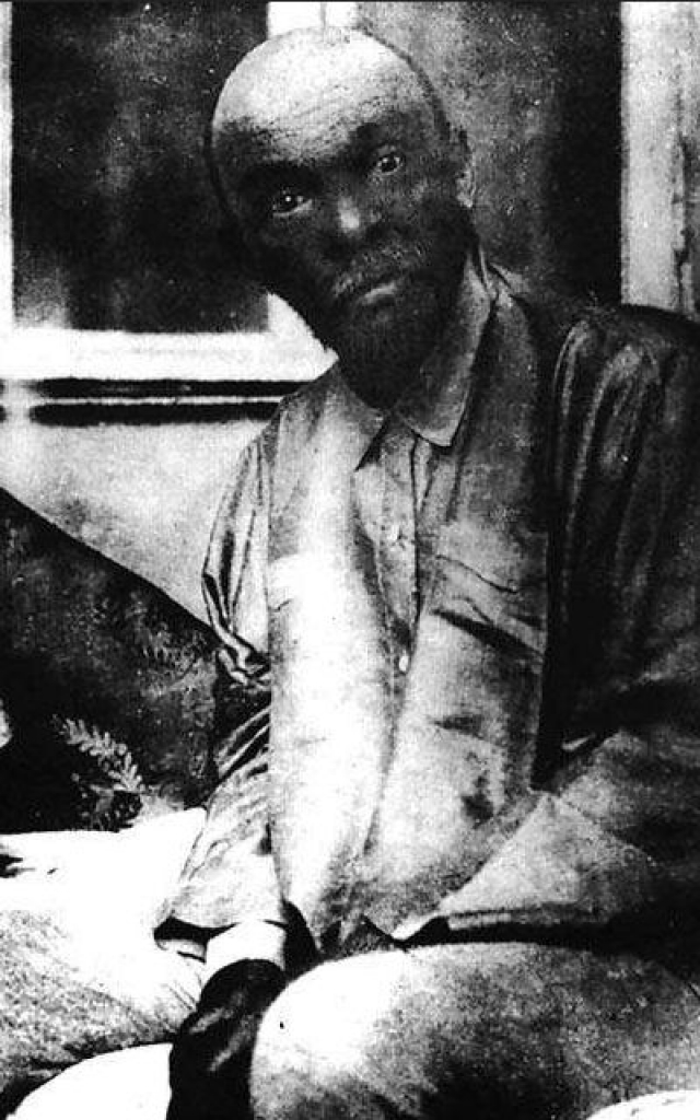 """Владимир Ленин. Одно из последних фото больного """"вождя"""" сделанная в Горках в декабре 1923 года. Через месяц Ильич умер."""