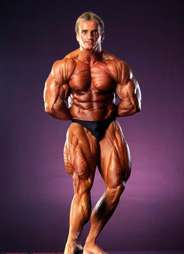 После этого занятия стали настоящей страстью для него. В 1986 году Андреас вместе с другом открывает собственный фитнесс-клуб, отчасти и для того чтобы обеспечить себе возможность полностью погрузиться в тренировки.