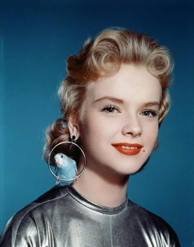 Энн Фрэнсис, 1930-2011. В шоу-бизнес актриса попала в шесть лет, и не уходила из него до 1996 года. Умерла она в доме престарелых от рака поджелудочной железы.