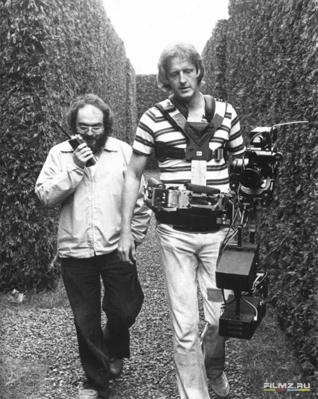"""39. Концовка фильма Ридли Скотта """"Бегущий по лезвию"""" содержит уникальные неиспользованные кадры Стенли Кубрика к фильму """"Сияние""""."""