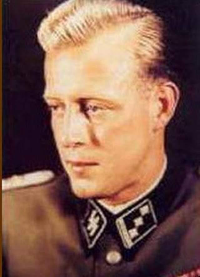 Он знал всю правду о последнем годе жизни Гитлера и его смерти, однако, несмотря на все уговоры, мемуары писать отказался.