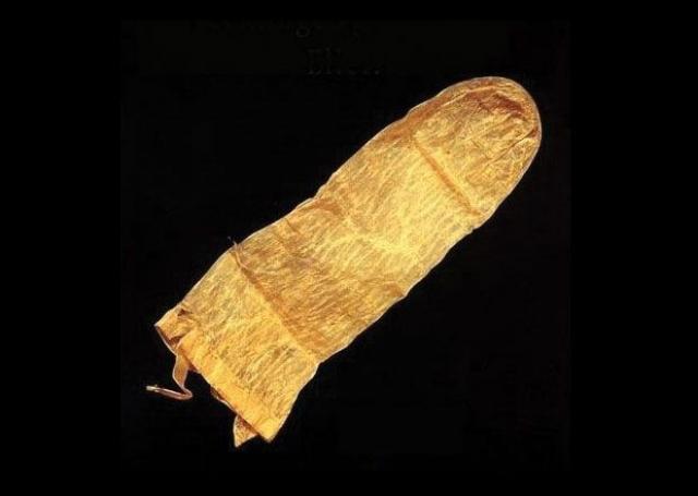Самый старый презерватив, дошедший до наших дней, найден в Лунде, Швеция и датируется 1640 годом.