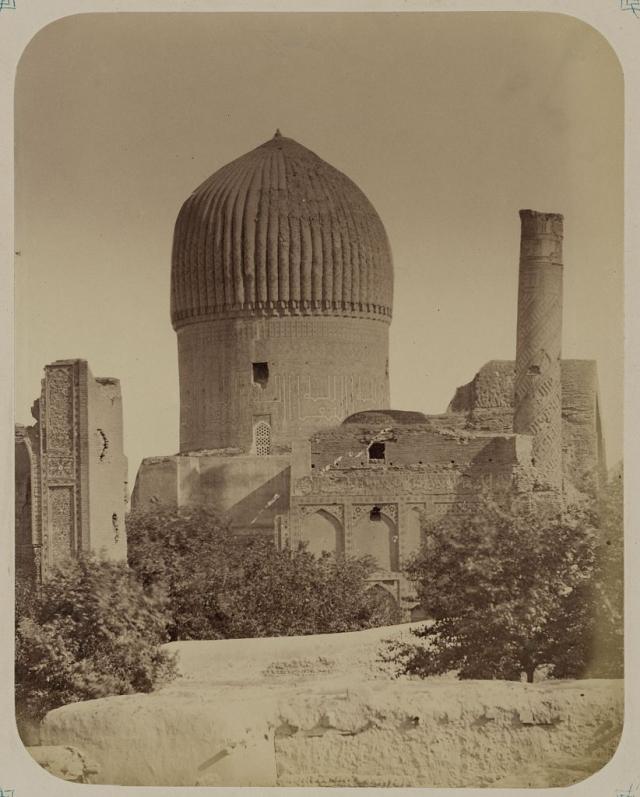Проклятие Тамерлана. В 1941 году И. В. Сталин отправил в Самарканд группу археологов, которые должны были открыть гробницу Тамерлана, что вызвало настоящую тревогу местных жителей и мусульманского духовенства.