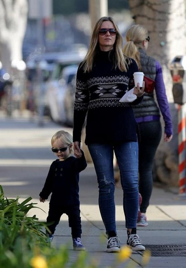 А 30 января 2014 года на свет появился второй внебрачный ребенок звезды, тоже мальчик, которого родила персональный тренер актера Кэролайн Линдквист, бывшая на тот момент замужем.