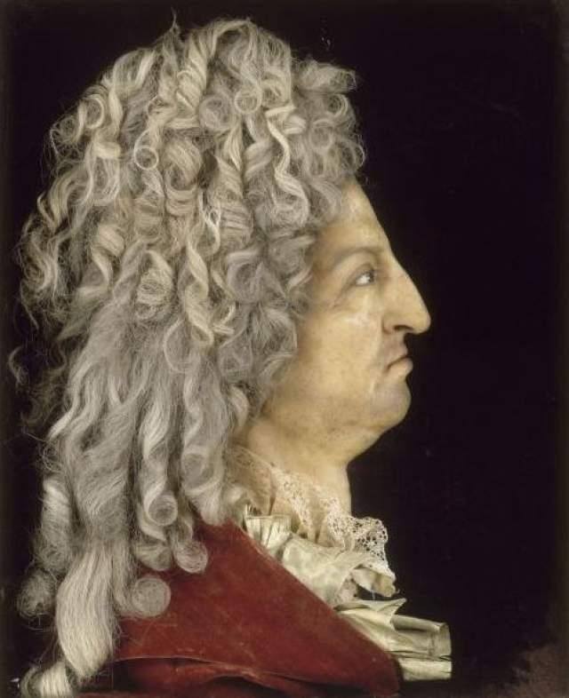 """Короля Франции Людовика XIV за его веселый и любвеобильный характер прозвали """"король-солнце"""". Мудрый правитель провел множество реформ во благо своего народа. В 22 года он уже был знаменитым модником и ловеласом, что не мешало ему отлично править страной."""