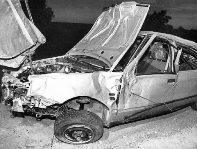 """В 1995 году за хорошее поведение получил """"увольнение"""", но в тюрьму не вернулся. По пути к месту заключения Мэнсон не справился с управлением автомобиля и погиб."""