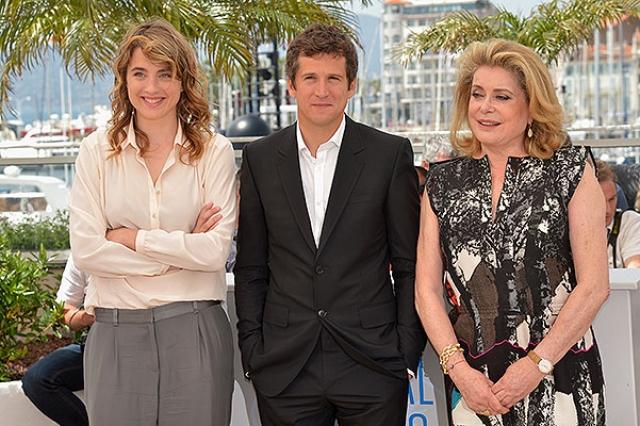 У нее есть уже взрослый сын Кристиан Вадим и дочь Кьяра Мастроянни, оба являющиеся довольно востребованными актерами.