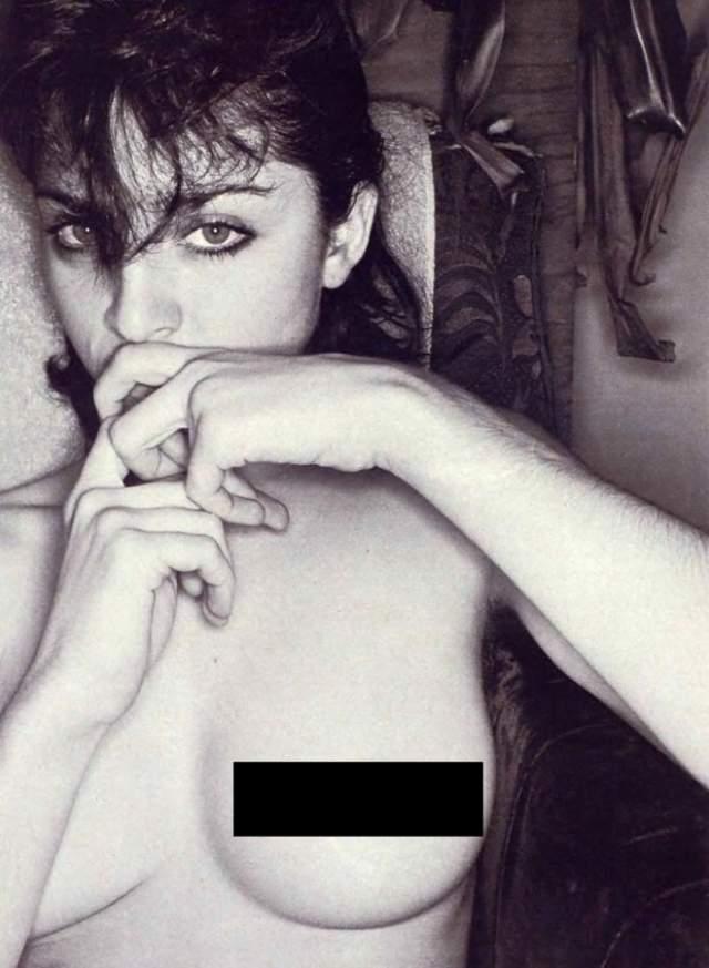 """Фотографии эти были не совсем свежие. Их снимали разные фотографы в 1979-80 годах, когда Мадонна только-только переехала в Нью-Йорк, и пробовала себя в самых разных занятиях. Создала собственную музыкальную группу """"Madonna And The Sky"""", недолго просуществовавшую."""