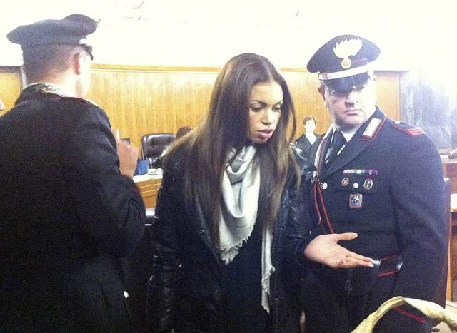 """Последний из громких скандалов, который удалось замять """"казанове"""", произошел в январе 2011 года, когда его обвинили в связи с несовершеннолетней проституткой из Марокко Каримой эль-Маруг по прозвищу Руби."""
