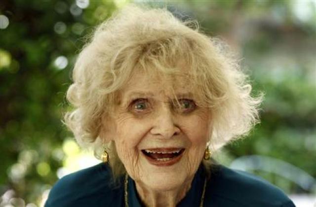 """Кстати, Глория изображала в """"Титанике"""" постаревшую Розу, возраст которой по сценарию составлял 101 год, хотя на самом деле актрисе было всего 86 лет. И по ее заверениям, в этом не было ничего приятного."""