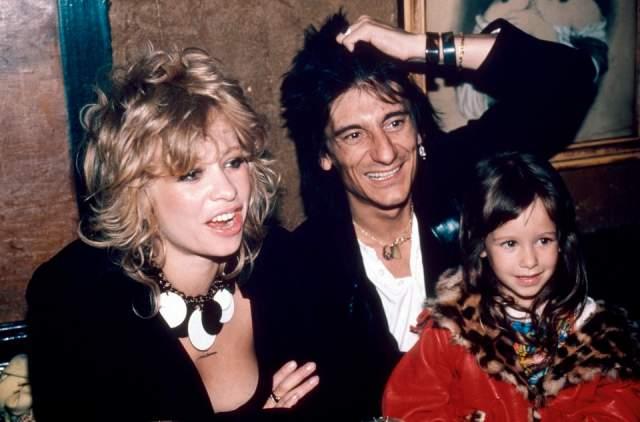 """Ронни Вуд. Один из """"роллингов"""" женился на модели Джо Керслейк еще в далеком 1985 году, после этого у них родилось двое детей."""