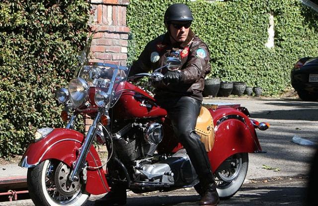 Шварценеггер два раза попадал в аварию на мотоцикле. 9 декабря 2001 года он сломал себе шесть ребер, а 8 января 2006 разбился на своем Харлее, перевозя в коляске своего сына Патрика. На губу Шварценеггера было наложено 15 швов, мальчик не пострадал.