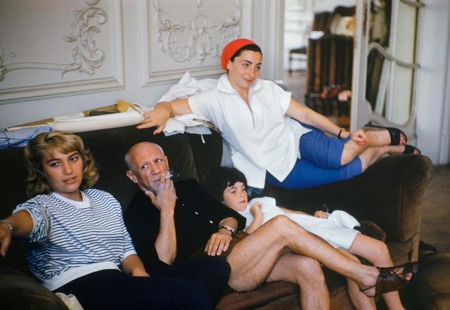 Пикассо был необычайно богат и оставил после себя только недвижимости на полтора миллиарда долларов.