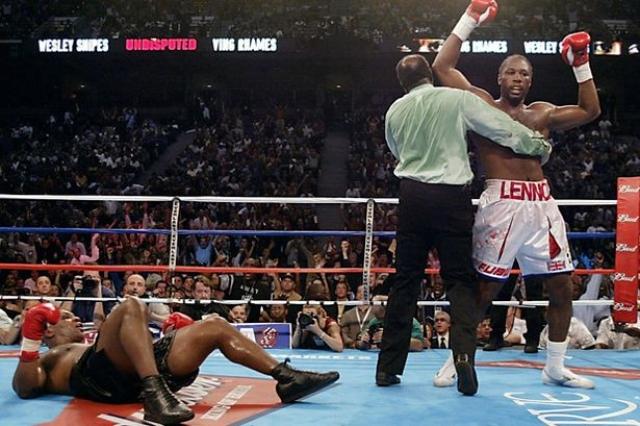 На все же состоявшемся бое Майк потерпел сокрушительное поражение. На послематчевой пресс-конференции Тайсон сказал журналистам, что очень рад, что вообще сумел уйти в этот вечер с ринга живым.