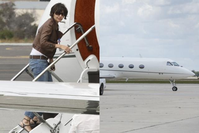 Возможно, именно поэтому он подарил Кэти ее собственный самолет Гольфстрим. Цена составила от 14 до 20 миллионов долларов.