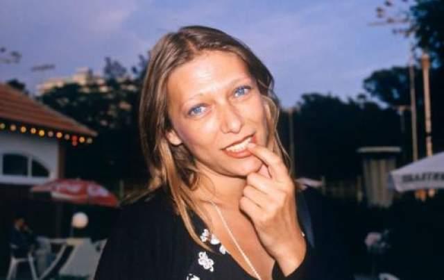 Трагедия пришлась на 23 августа 1997 года, когда Елена решила прополоскать горло керосином для улучшения голоса. Капли горючего вещества попали на шифоновое платье.