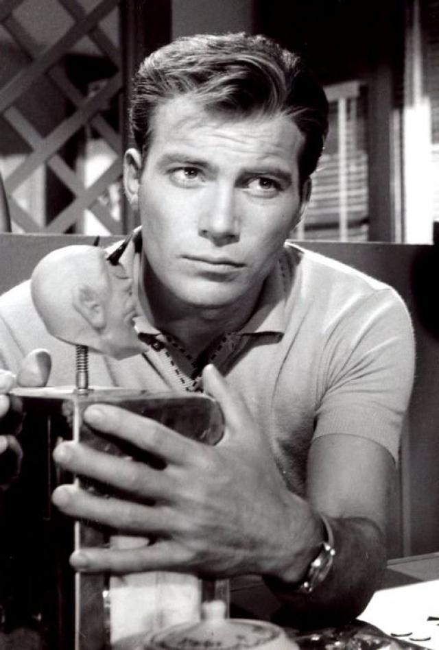 """Уильям Шетнер. Официальный дебют в кино состоялся в 1951 году в канадском фильме """"The Butler's Night Off""""."""