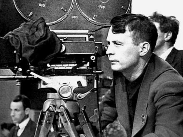 Отметим, что государство разместило заказ на производство фильма, и за него боролись основатель Союза кинематографистов СССР Иван Пырьев (на фото), а также не самый известный в ту пору Сергей Бондарчук.