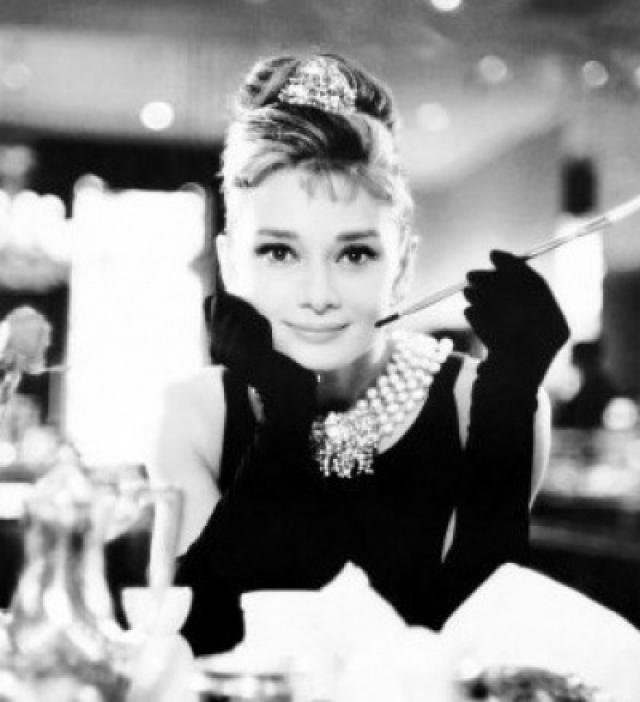"""Одри Хепберн. 18-летнюю Холли Голайти из """"Завтрака у Тиффани"""" актриса сыграла в 32 года."""