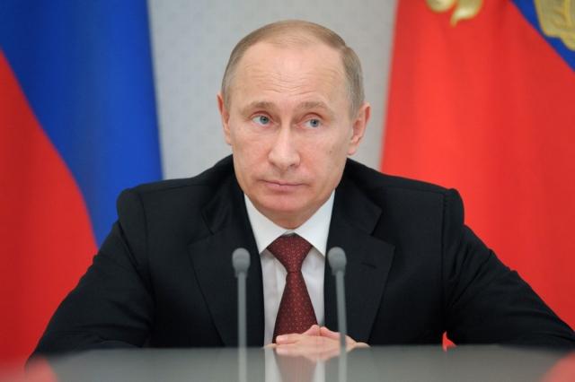 """Владимир Путин : """"Законы у нас, конечно, есть, но жизнь сложнее и разнообразнее."""""""