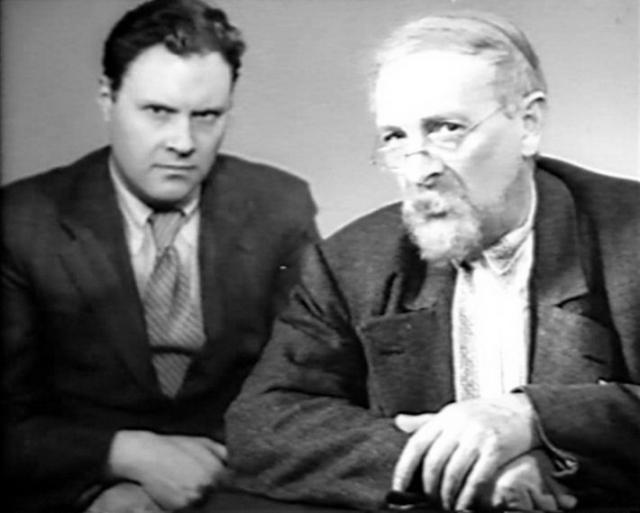 """22 октября 1941 года А. Тутышкин с театром был эвакуирован в город Омск, где снова поставил лермонтовский """"Маскарад"""" в здании Омского театра драмы. В 1943 году руководил фронтовой группой театра им. Вахтангова."""