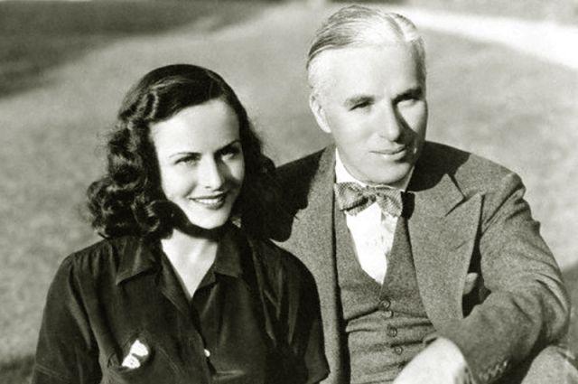 Ему было 44 года, когда он женился на Полетт Годдар, ей было 19. Расстались они в 1940 году, а вторым супругом Годдар стал писатель Эрих Мария Ремарк.