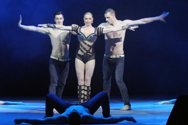 Ярославские зрители, которые побывали на концерте экс-балерины Большого театра Анастасии Волочковой, остались в шоке от выступления. Пришедших жителей возмутил один из номеров артистки.