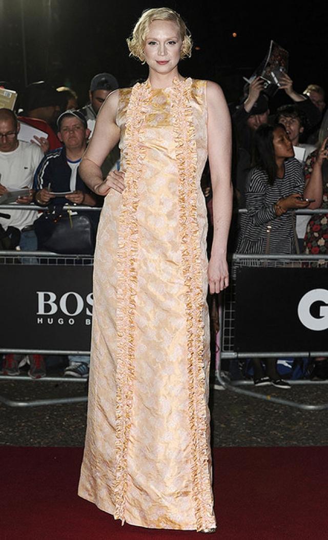 Актриса Гвендолин Кристи появилась на официальном киношном вечере в платье, которое модные критики сравнили с обивкой гроба.