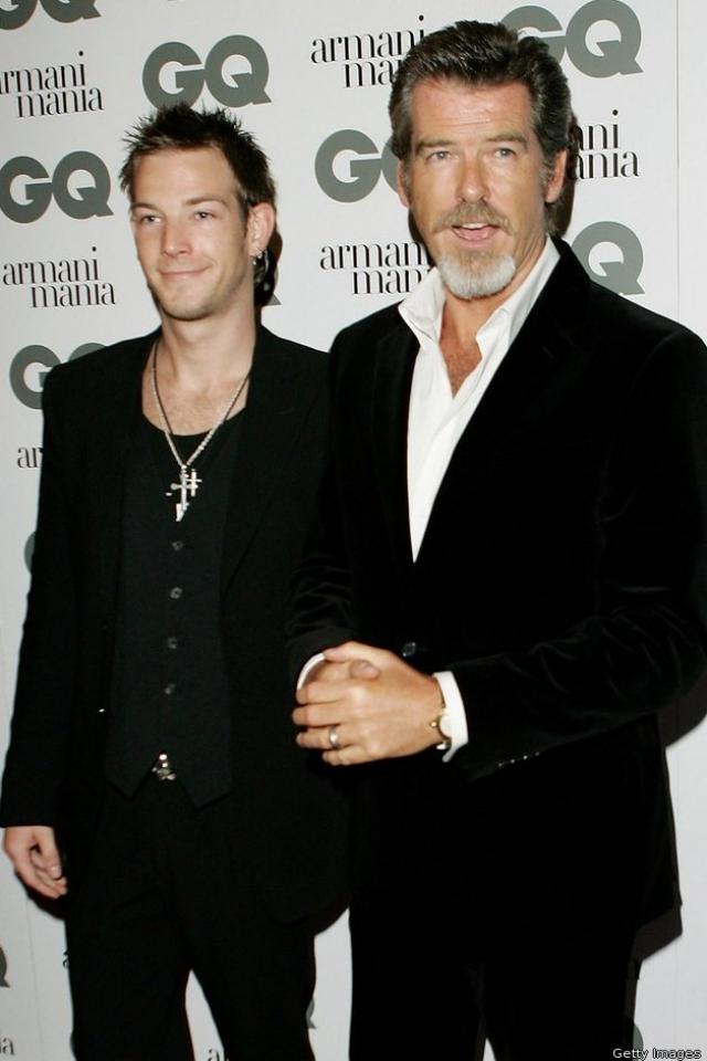 """Пирс Броснан и Шон Броснан. Сын известного актера пока не стал """"Агентом 007"""", но все задатки для этого у него определенно имеются."""