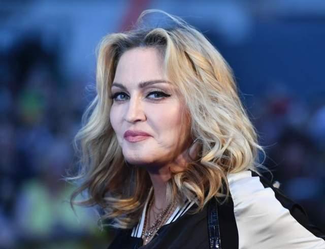 Мадонна (39). Очевидно, что Мадонна отличная певица, ну и не самая дурная актриса.