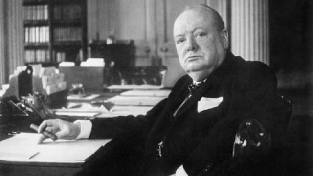 Уинстон Черчилль Черчилля не перевели из шестого класса в седьмой. Ему не удавалось попасть ни на один политический пост, к которому он стремился. Но затем он в 62 года стал британским премьер-министром.