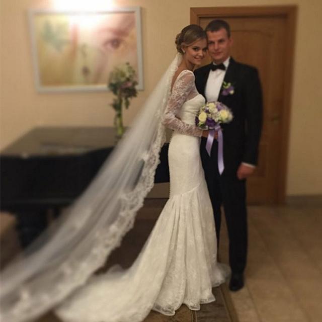 Модель Виктория Сикрет Кейт Григорьева вышла замуж за своего возлюбленногоо Александра в августе.